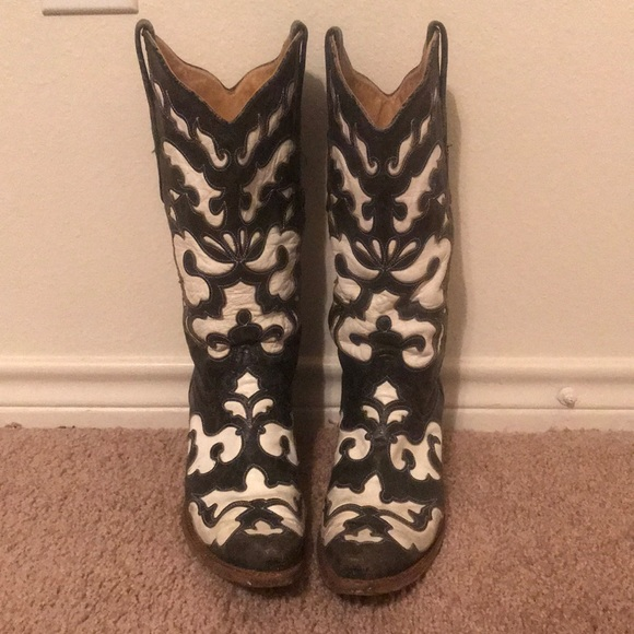 11dd3f840d0 Corral Shoes - Black and white Corral boots